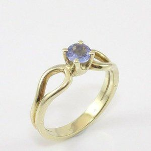 Solid 14K YG Purple Tanzanite Solitaire Ring  4.25